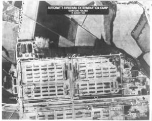 Auschwitz'e bağlı Birkenau Toplama Kampı'nın casus uçaklar tarafından çekilen hava görüntüsü. Yakılmaya götürülenler, mahkumlar, yakma odaları, her şey ortada… Üstüne tıklayarak büyük halini inceleyebililrsiniz.
